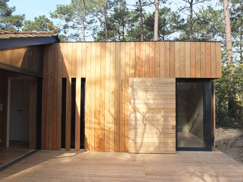 Extension et réaménagement intérieur d'une maison bois