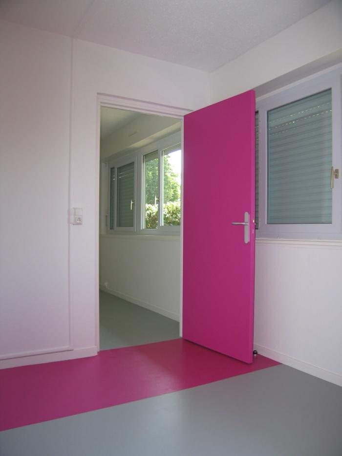 Réaménagement des locaux de la crèche Macédo, en un foyer d'accueil pour des femmes victimes de violences conjugales : Juillet 2011 003