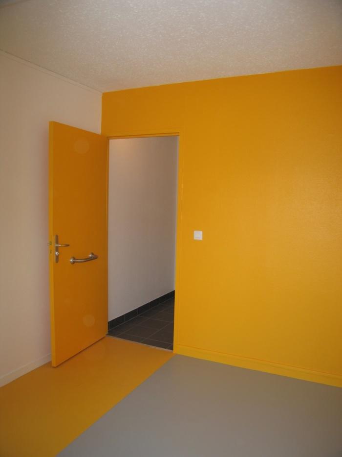 Réaménagement des locaux de la crèche Macédo, en un foyer d'accueil pour des femmes victimes de violences conjugales : Juillet 2011 008