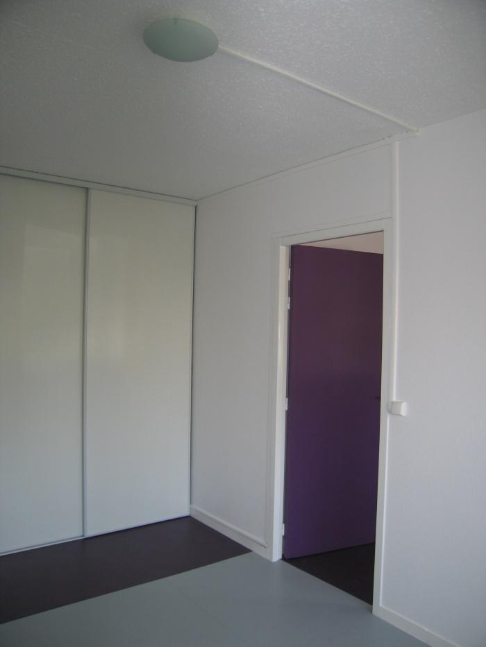 Réaménagement des locaux de la crèche Macédo, en un foyer d'accueil pour des femmes victimes de violences conjugales : Juillet 2011 016