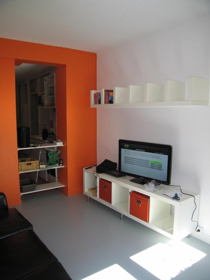 Réaménagement des locaux de la crèche Macédo, en un foyer d'accueil pour des femmes victimes de violences conjugales : Juillet 2011 041