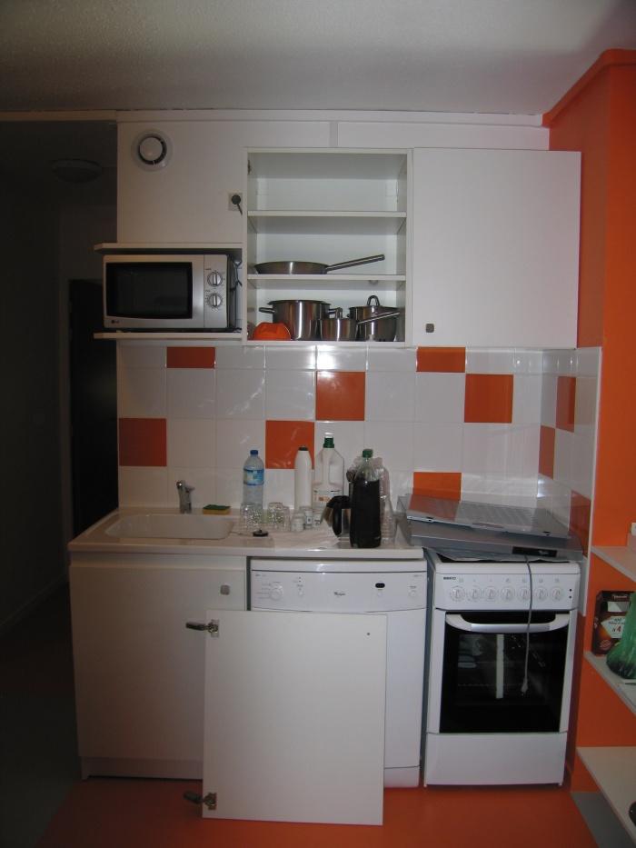 Réaménagement des locaux de la crèche Macédo, en un foyer d'accueil pour des femmes victimes de violences conjugales : Juillet 2011 055