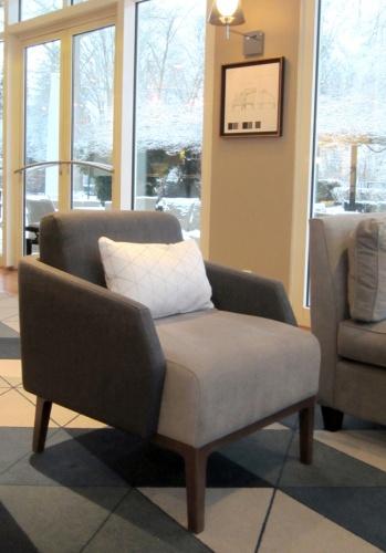 BAR HOTEL LES CELESTINS ***** : detail bar fauteuil