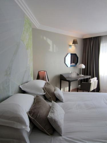 CHAMBRE HOTEL LES CELESTINS ***** : chbe mars 01