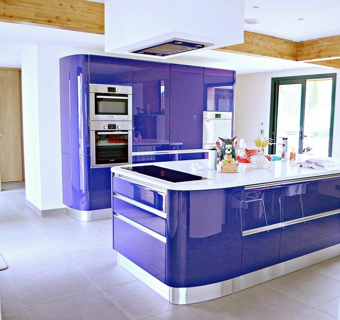 Maison ossature bois en Charente Maritime : maison contemporaine Cuisine ouverte