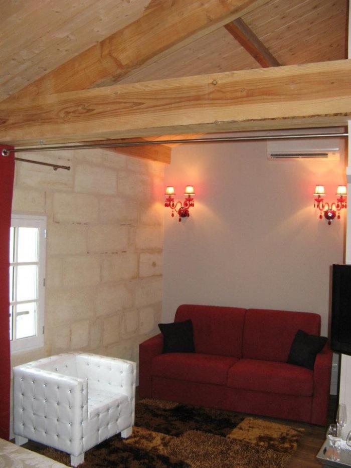 Aménagement de chambres d'hotes et cave a vins - SAINT EMILION : 523298_276692149086623_968618712_n