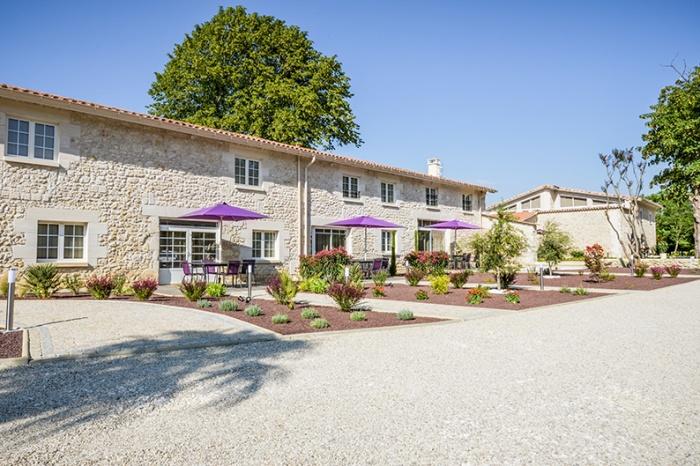 Réhabilitation d'un ancien monastère pour la création d'appartements touristiques : Domaine Segondignac 2